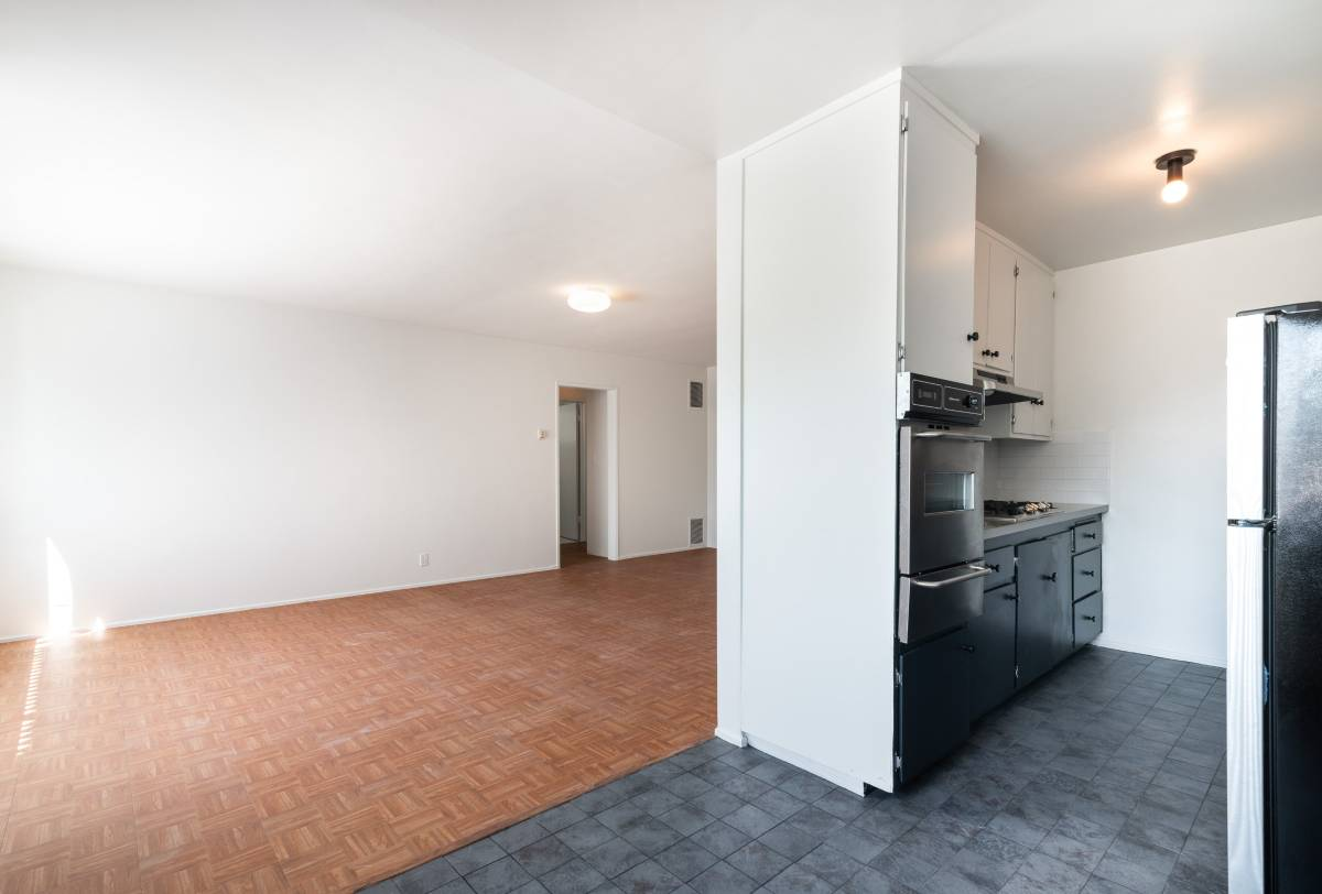West Windsor Living Room 3 - 1437